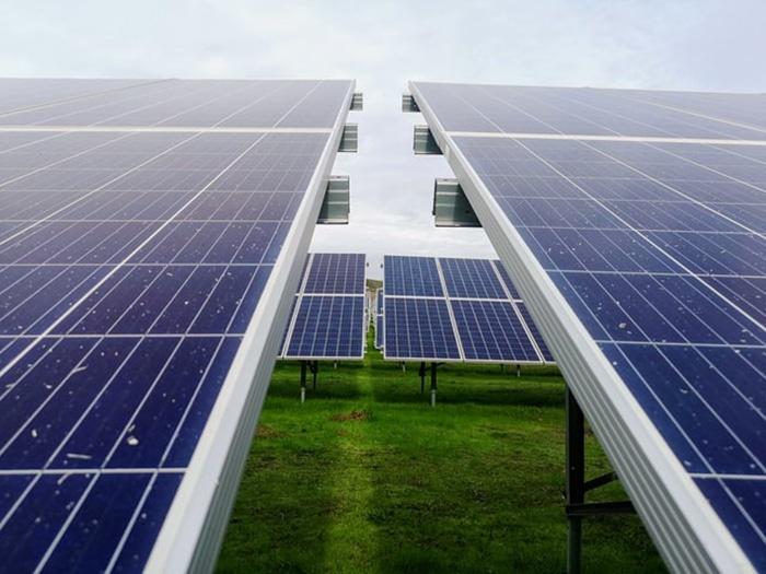Zonnepark van Endona als eerste burgerinitiatief aangesloten op de energiemarkt.